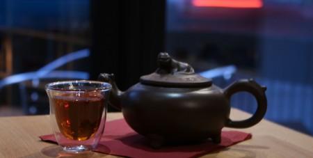 Yixin hand made Clay lion design tea pot, Double wall tea glass, Tea caddy, 100g Rose lemomgrass loose leaf tea and tea pot has got hidden infuser inside